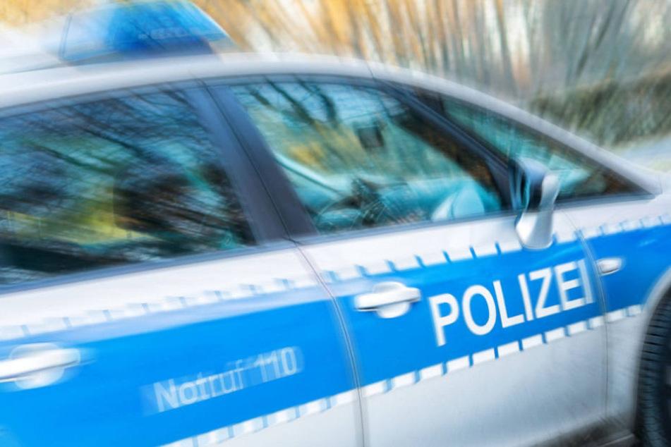 Die Polizei evakuierte am Freitagmorgen eine Schule im Prenzlauer Berg. (Symbolbild)