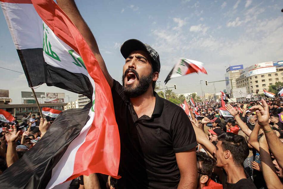 Im Irak herrscht in der Bevölkerung unter anderem wegen der schlechten Infrastruktur und Arbeitslosigkeit großer Frust.