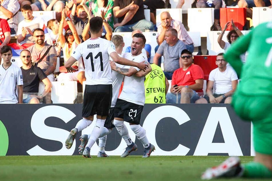 """Ein überragendes Spiel von Sascha Horvath (r.) bei der """"U21""""-EM in Serbien. Der Dresdner bereitete das 1:0 für Österreich vor, schoss das 2:0 selbst."""