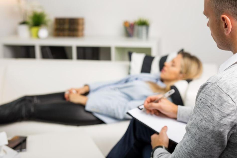 Prozess: Hat ein Wunderheiler seine Kundinnen unter Hypnose vergewaltigt?