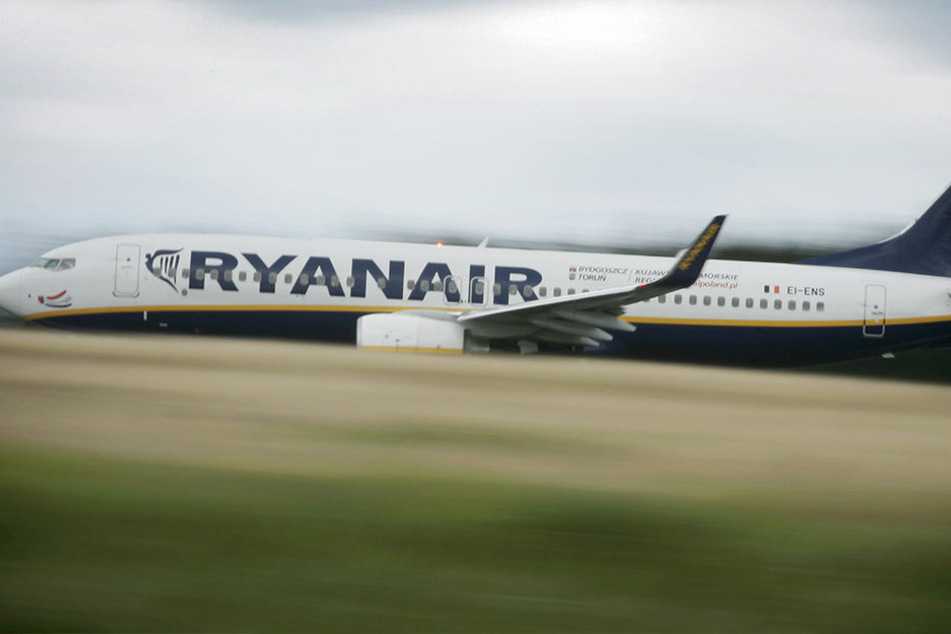 Eine Ryanair-Maschine startet in Frankfurt.