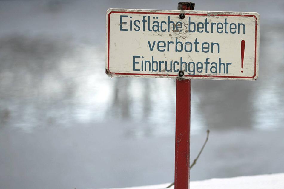 Auch wenn die Talsperren zugefroren scheinen, besteht hier erhöhte Einbruchgefahr.