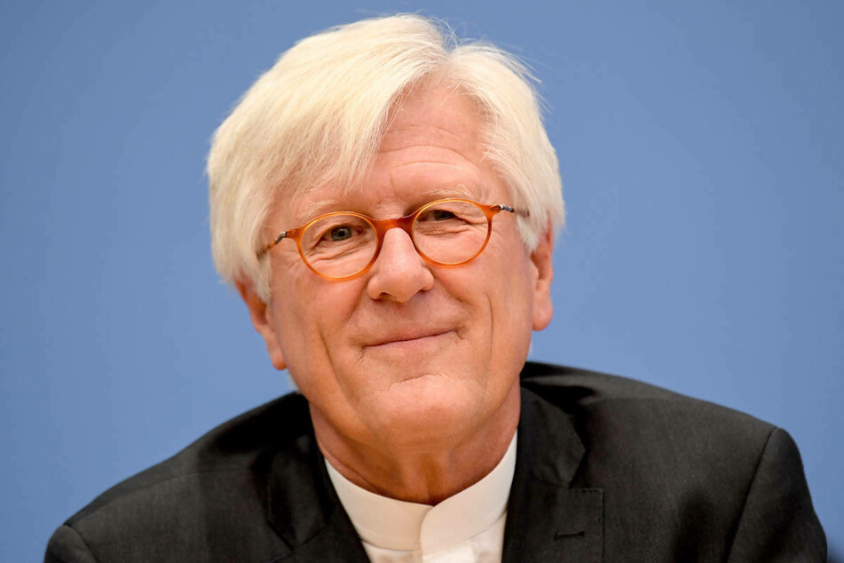 Der EKD-Ratsvorsitzende Heinrich Bedford-Strohm (61) hat die Klima-Aktivisten in Berlin dazu abgerufen, ihren Hungerstreik zu beenden.