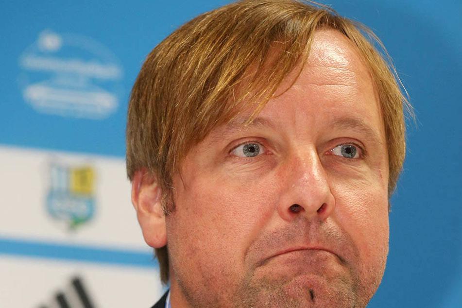 Vorstandsmitglied Stefan Bohne schaut skeptisch drein, will aber keine Prognose abgeben.