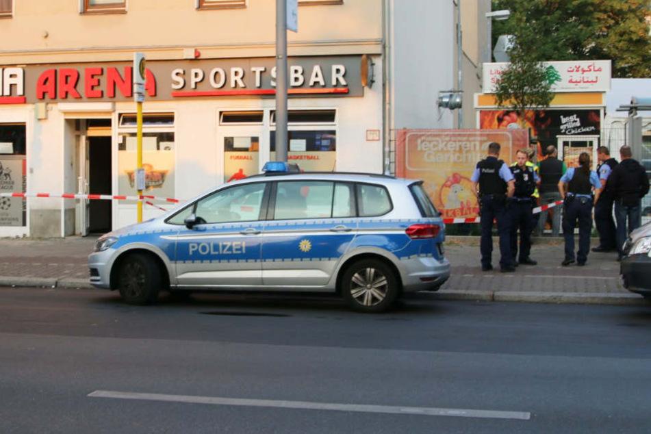 Schüsse vor Sportsbar mit zwei Schwerverletzten: Polizei nimmt Verdächtigen fest