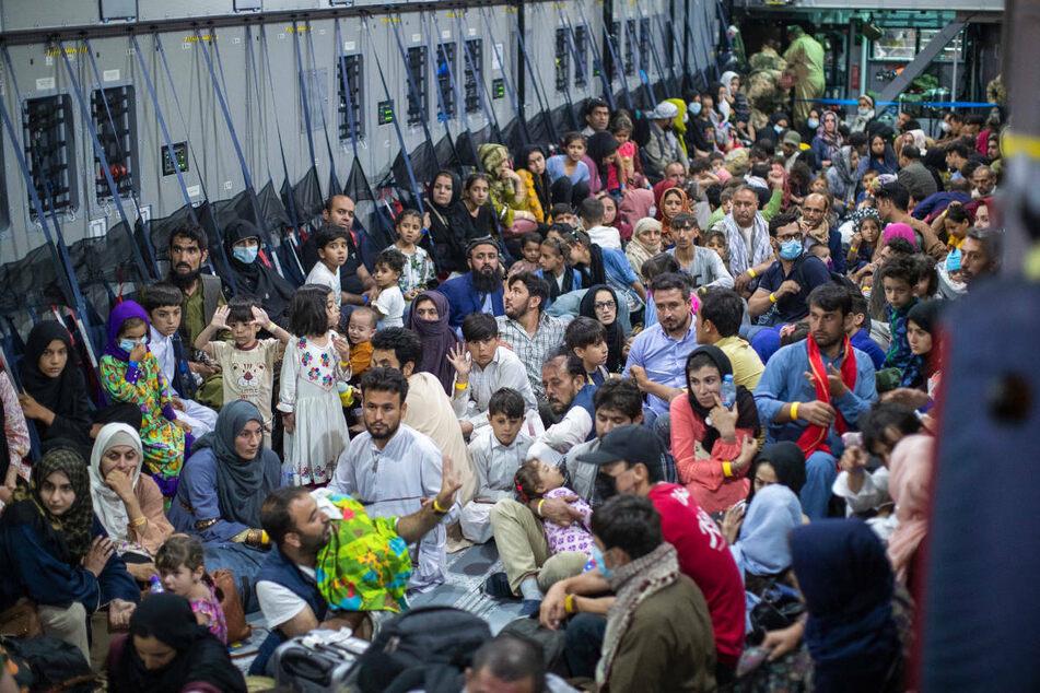 Afghanistan-Krise: Jetzt auch 35 Ortskräfte und Angehörige in Berlin eingetroffen