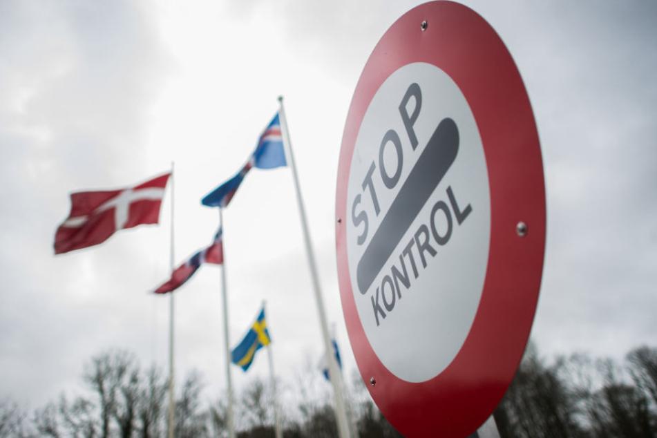 Die Dänen kontrollieren wieder an ihrer Grenze.