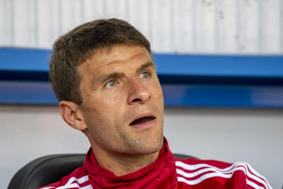 Thomas Müller saß beim FC Bayern immer öfter auf der Ersatzbank. (Archivbild)