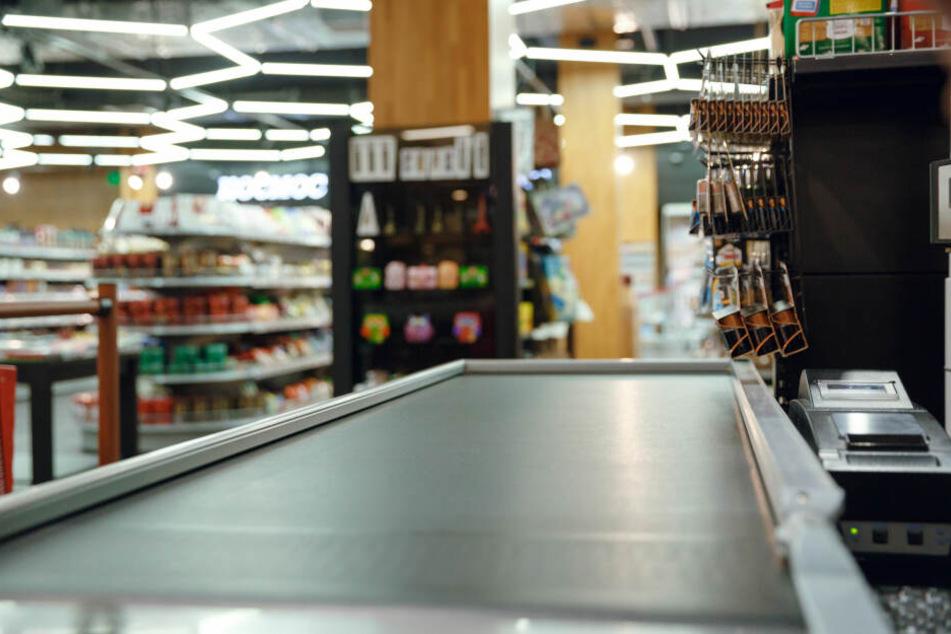 Leipziger überfällt Supermarkt, dann läuft er mit Döner und Bier in der Hand der Polizei in die Arme