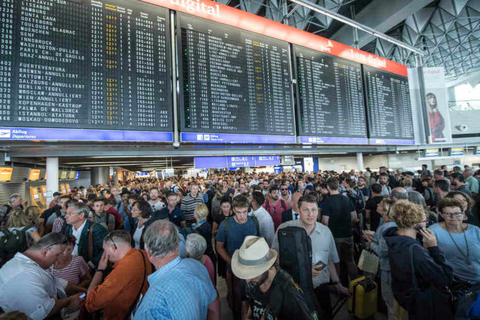 Die Nachwirkungen der Terminal-Sperrungen machten sich bis in den Folgetag hinein bemerkbar.