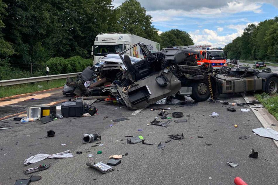 Zurzeit wird noch ermittelt, wie es zu dem Unfall kommen konnte.