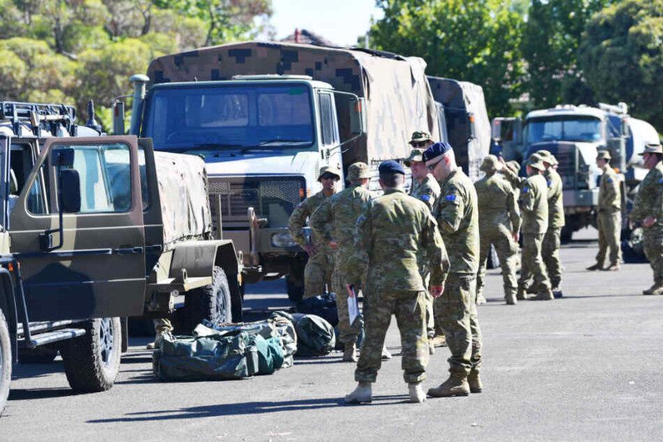3000 Reservisten des Militärs werden im Kampf gegen die Brände und deren Folgen eingesetzt.