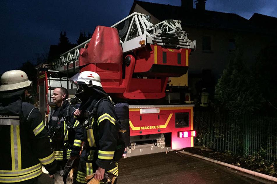 Die Feuerwehr konnte den Brand im Keller löschen.
