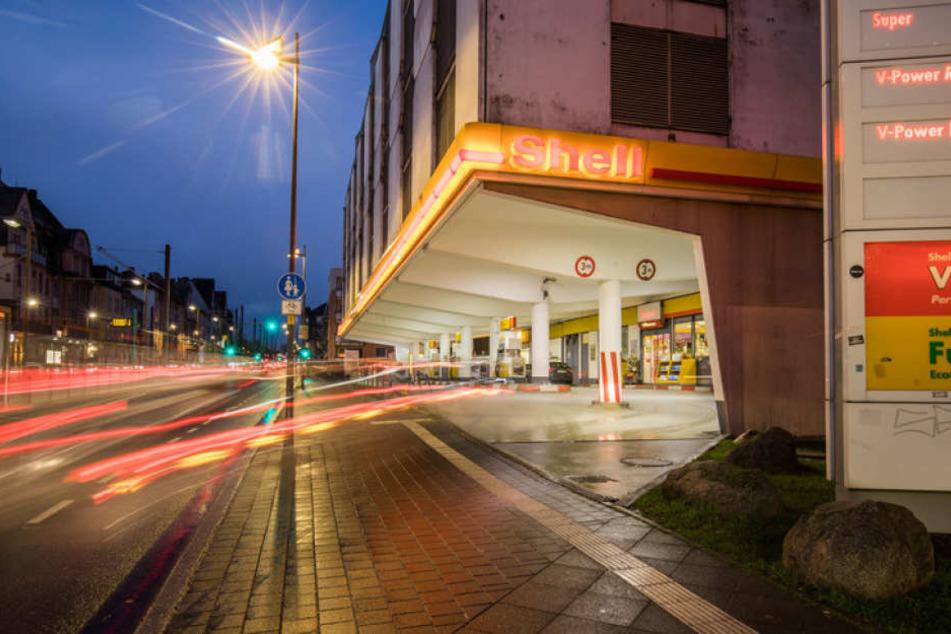 Gleich drei Mal überfiel der 53-Jährige diese Tankstelle an der Friedberger Landstraße.