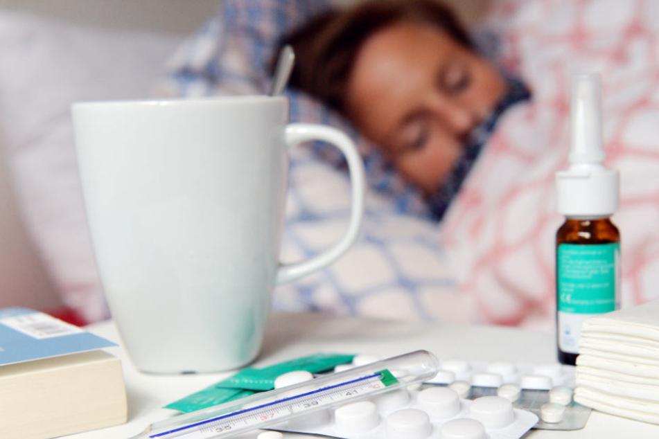 Hunderttausende Menschen in Deutschland leiden unter der Grippe. (Symbolbild)