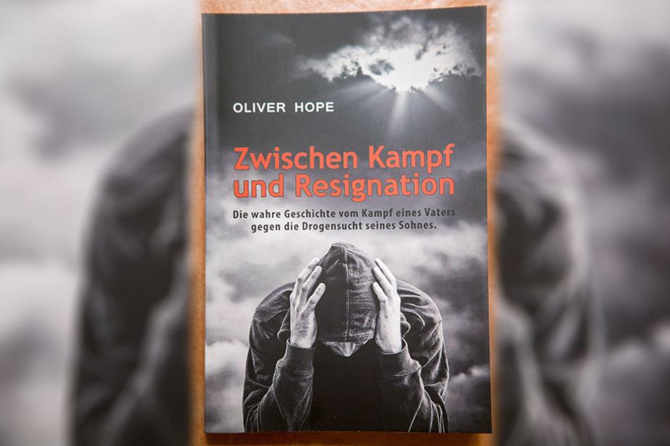 """Oliver Hoppe veröffentlichte das Buch """"Zwischen Kampf und Resignation""""."""