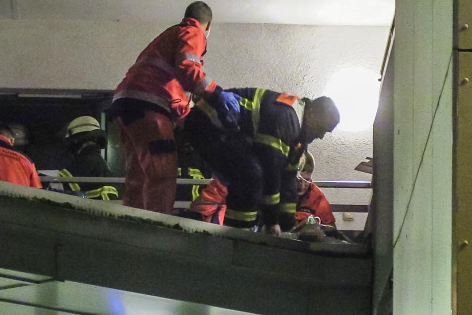Die Rettungskräfte gehen von starken Rückenverletzungen aus.
