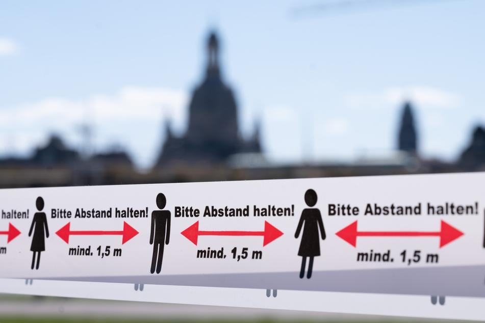 In Dresden gilt immer noch: Abstand halten! Die Inzidenz ist wieder über die 50er-Marke gestiegen.