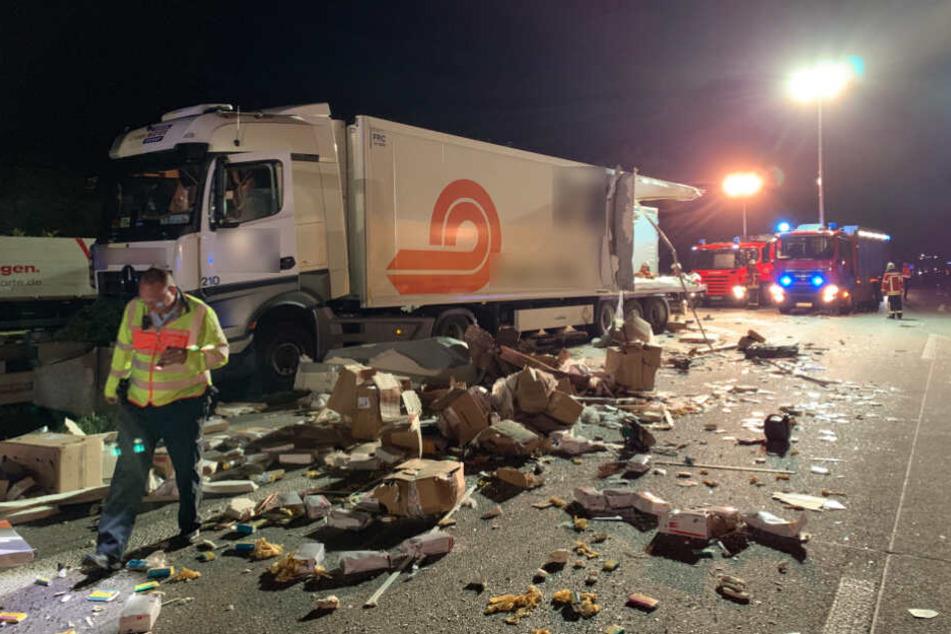 Auch die Schäden am Laster sind nicht zu übersehen.
