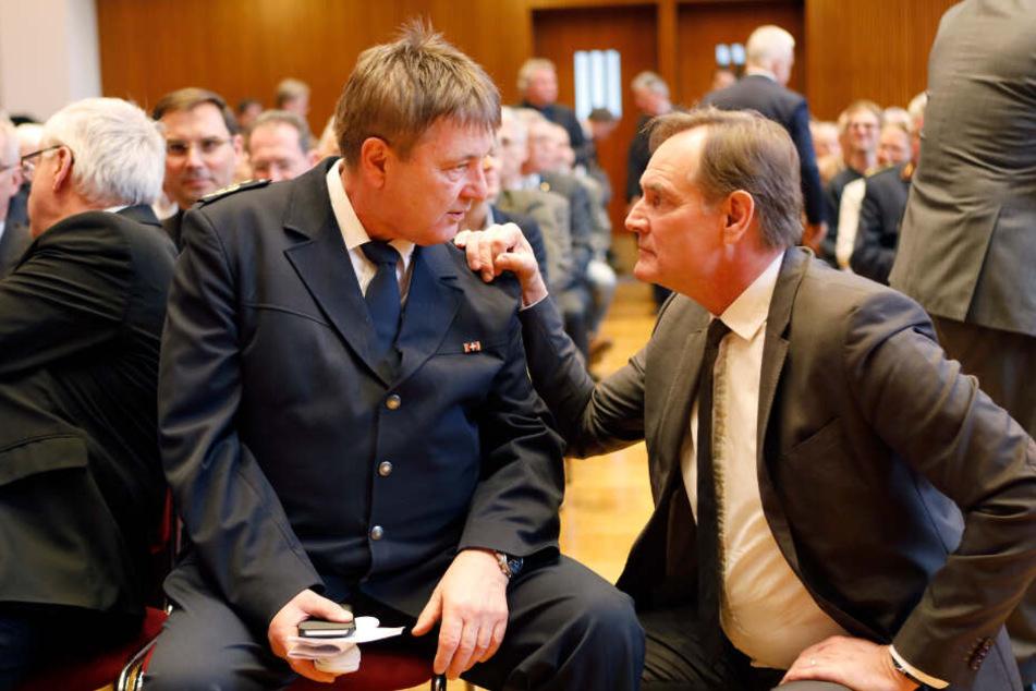 """Zwei, die sich nicht immer so """"grün"""" waren: Bernd Merbitz und Leipzigs OB Burkhard Jung (60, SPD) bezeugten sich am Freitag gegenseitig Respekt."""