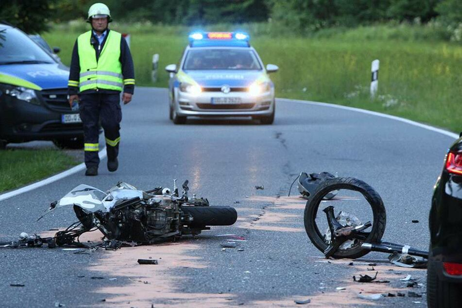 Sowohl der Motorradfahrer, als auch der Quadfahrer kamen schwerverletzt ins Krankenhaus.