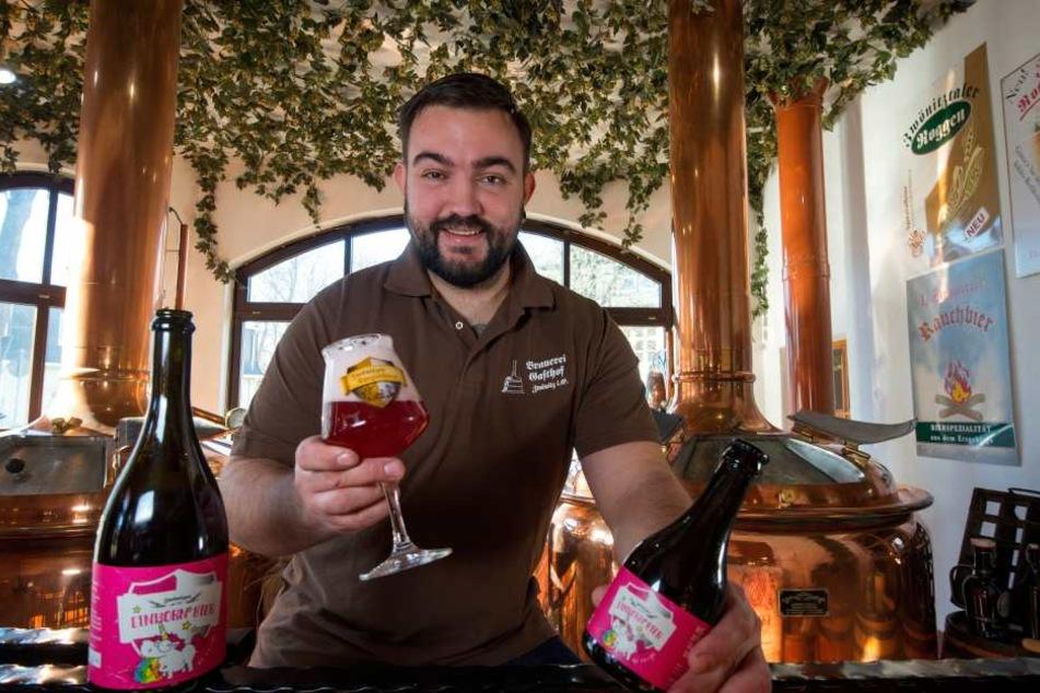 Er braut das rosafarbene Zwönitzer Einhorn-Bier: Dominik Naumann (30).