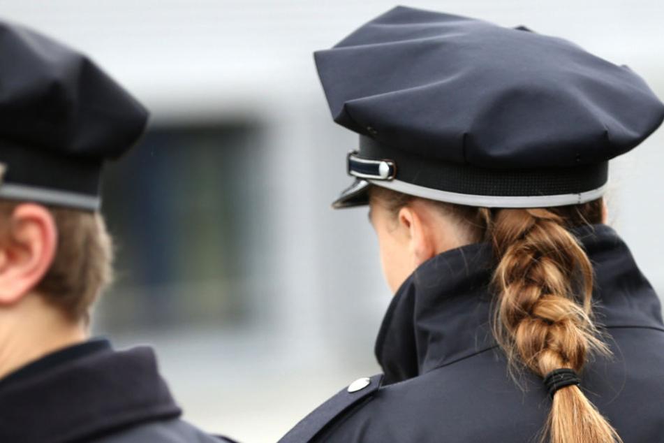 Einer Polizistin der Kriminalpolizei in Kiel wird Bestechung vorgeworfen. (Symbolbild)