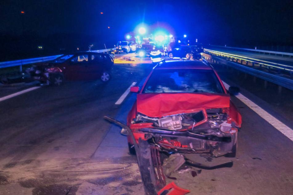 Insgesamt sechs Menschen wurden bei dem Unfall auf der A72 verletzt.