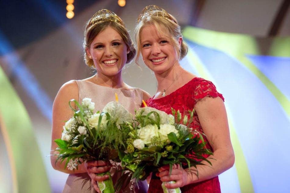 Laura Lahm aus Rheinland-Pfalz (l.) und Charlotte Freiberger aus Hessen (r.) sind die neuen Weinprinzessinnen.