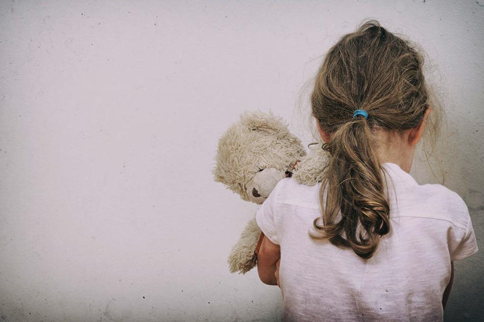 Das Ehepaar missbrauchte mehr als 20 Mal die eigenen Kinder. (Symbolbild)