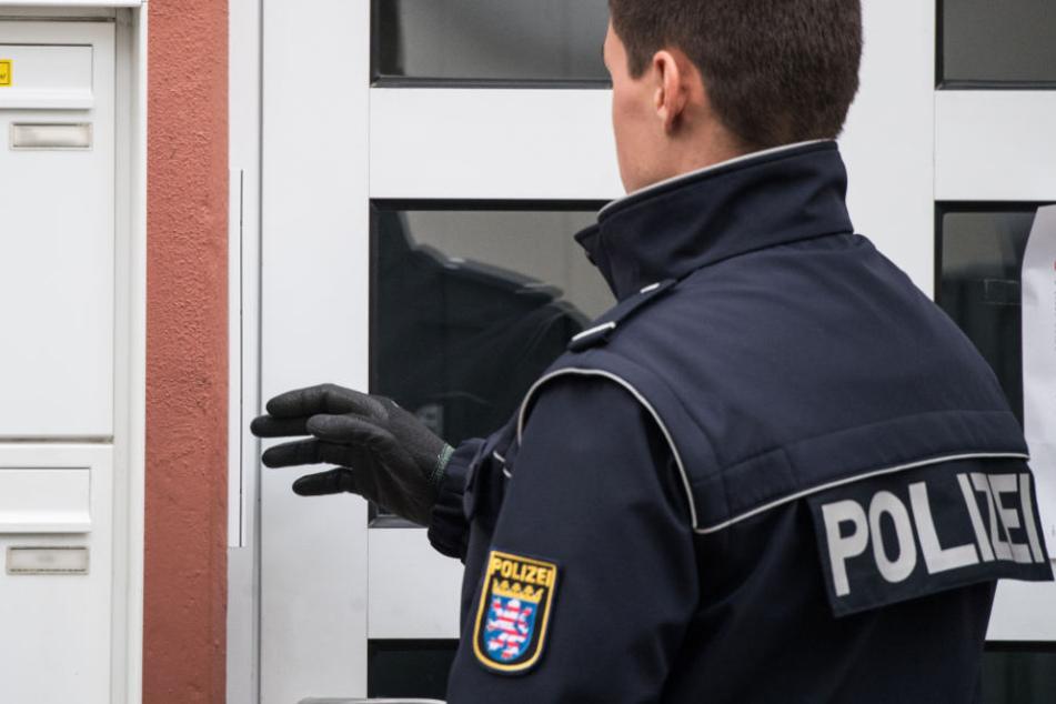 Die Polizisten mussten fast 300 Platzverweise erteilen, weil Personen nicht gehen wollten.