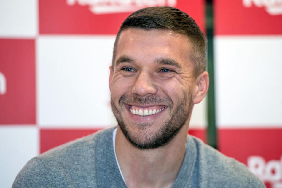 Lukas Podolski galt als Spaßvogel im DFB-Team - nicht immer soll er aber aus Leistungsgründen dabei gewesen sein.