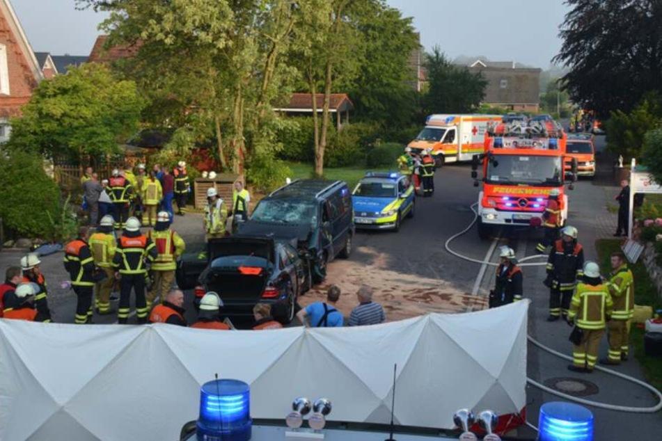 Heftiger Frontal-Crash: Acht Schwerverletzte, darunter ein Kind