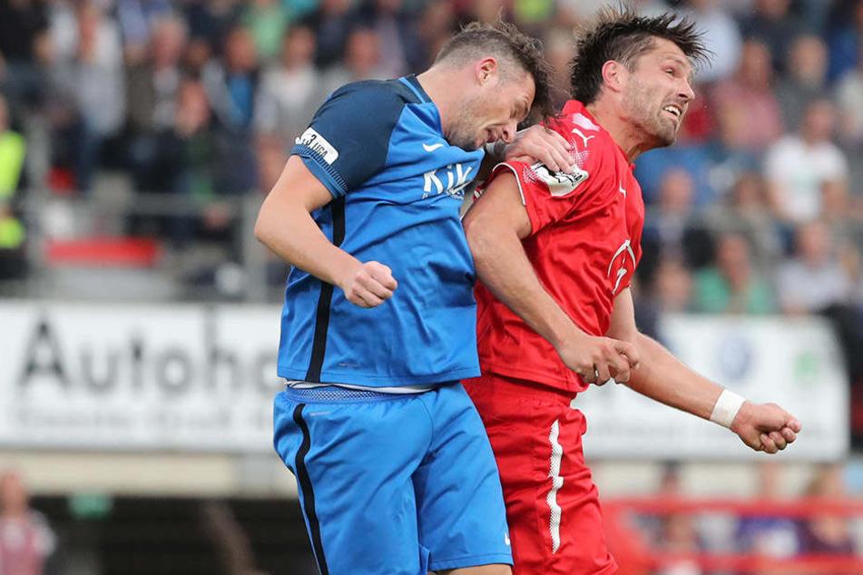 Auf die Kopfballstärke von FSV-Angriffsturm Ronny König (r., gegen Meppens Marcel Gebers) wird es heute ankommen.