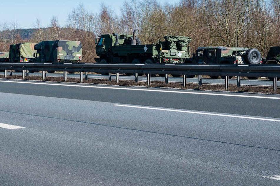Ein Militärkonvoi sorgte auf der A4 für Chaos.