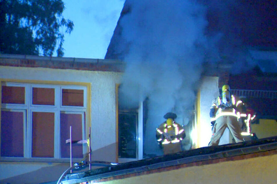 Feuer in Wohnheim für Obdachlose ausgebrochen: Mann im Krankenhaus