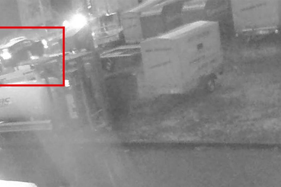 Auf Videoaufnahmen konnten die Ermittler einen dunklen SUV erkennen.