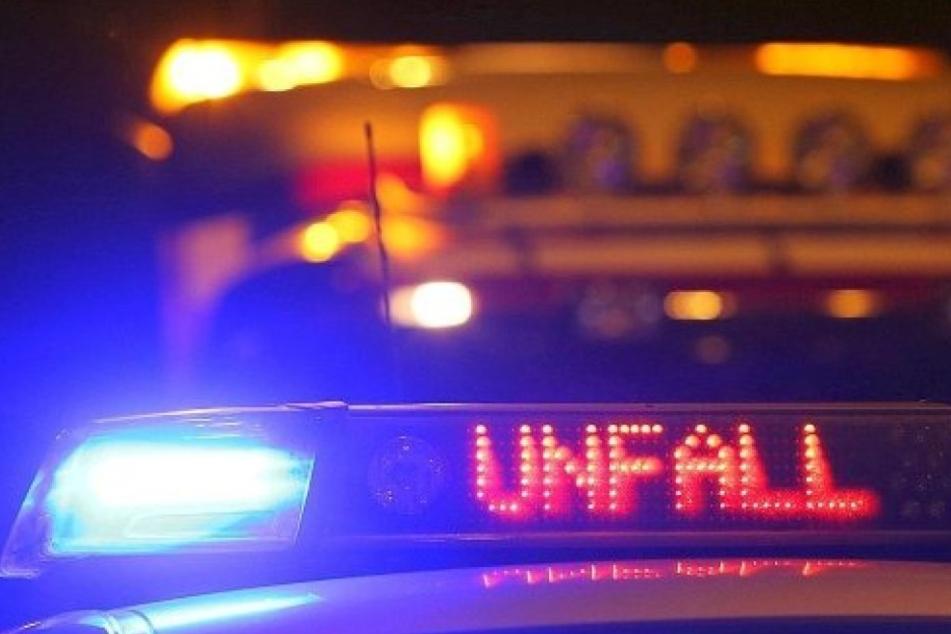 Bei dem Unfall wurden vier Menschen zum Teil schwer verletzt.. (Symbolbild).