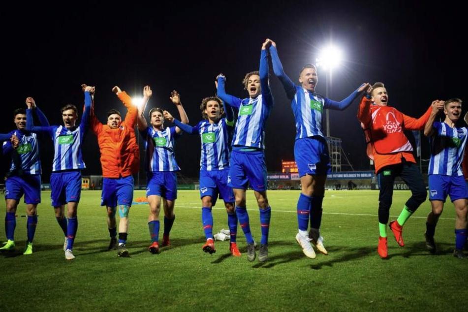 Grund zum Feiern: Herthas U19 zog überraschend ins Achtelfinale der Youth-League.