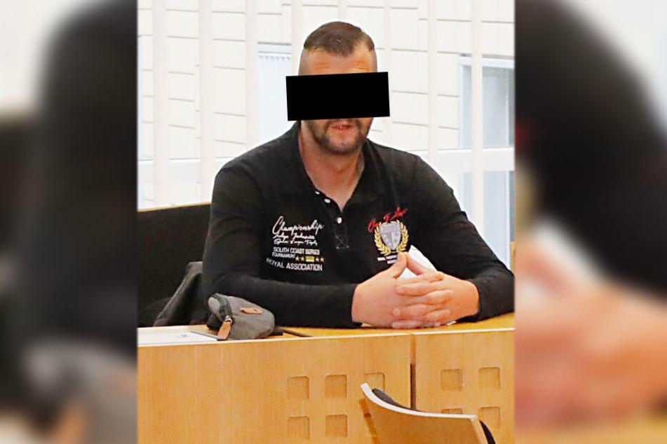 Silvio J. (38) gilt im Prozess wegen besonders schwerem Fall des Diebstahls als Hauptangeklagter.
