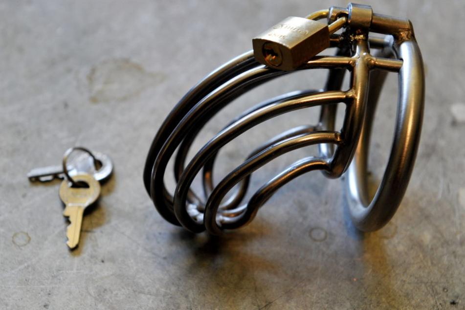 POL-HAM: Exhibitionist hatte Zange in der Hand