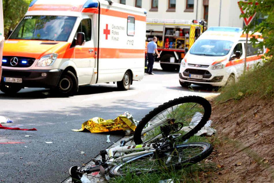 Der Radfahrer erlitt schwerste Verletzungen.