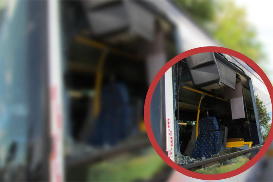 Der Schulbus war zum Unfallzeitpunkt voll besetzt.