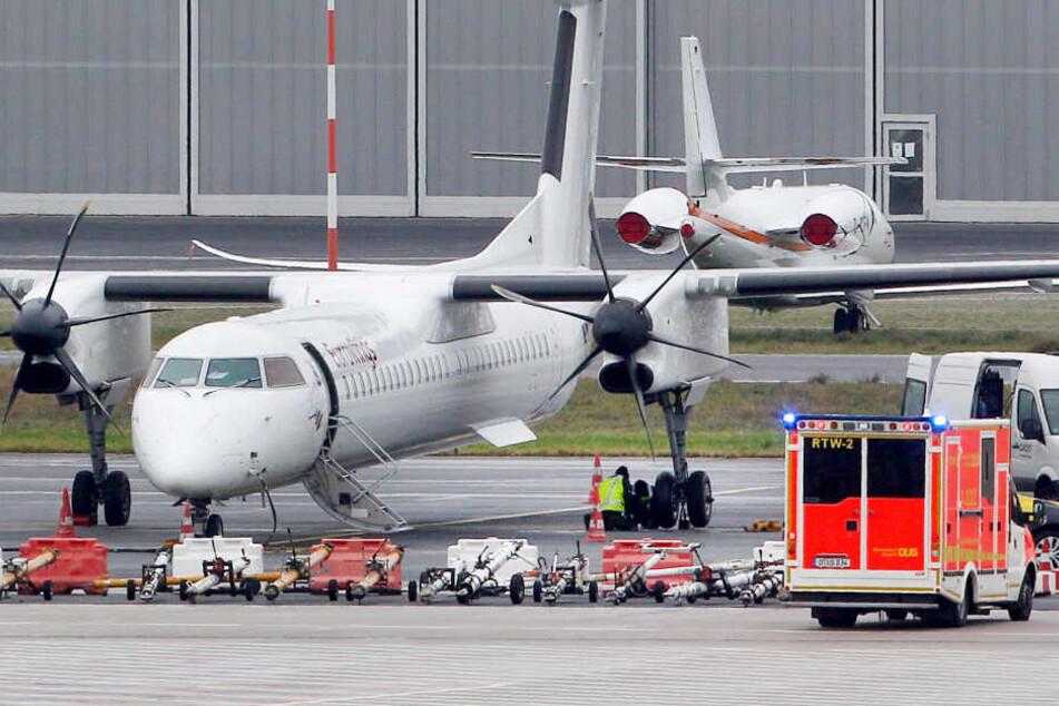 Das Regionalflugzeug mit 42 Passagieren ist am Donnerstagmorgen trotz eines defekten Reifens sicher in Düsseldorf gelandet.