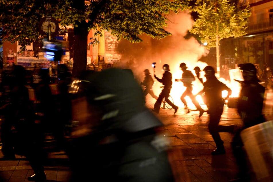 Mehrere Polizeibeamte wurden bei den Demonstrationen verletzt.