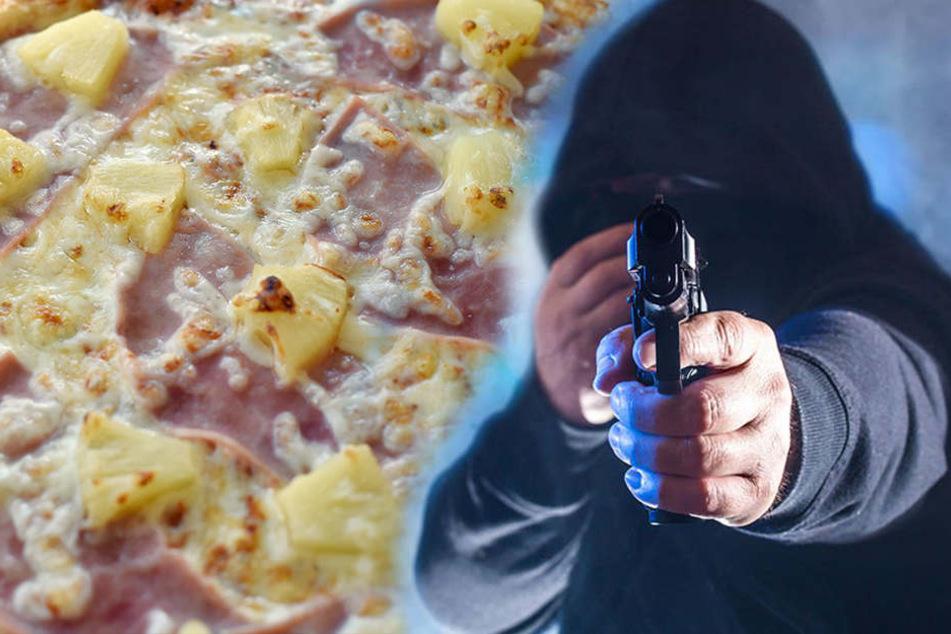 Der Räuber überfiel den Pizzaboten mit vorgehaltener Waffe.