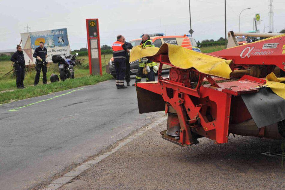 Das Mähwerk des Traktors, in das der Motorradfahrer gekracht ist.