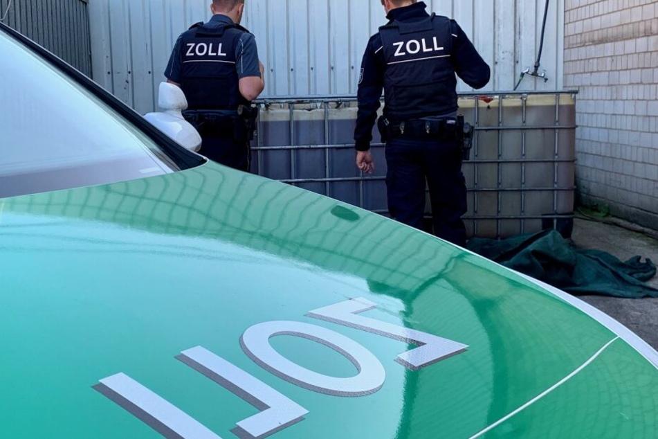 Die Mitarbeiter des Zolls fanden auch 21.000 Liter unversteuertes Heizöl.