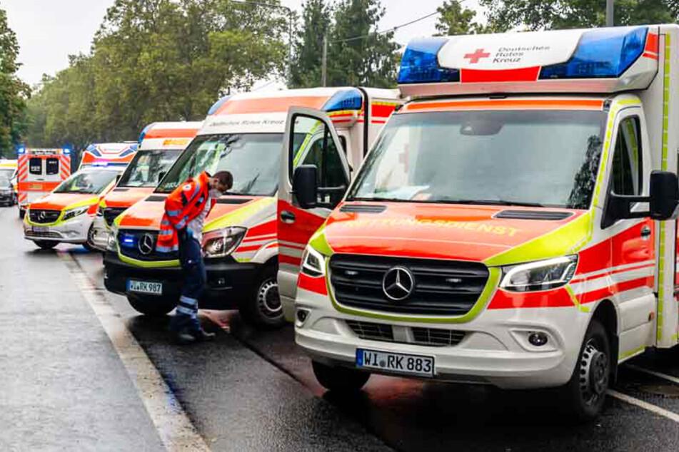 Infolge eines Nachbarschafts-Streits in Wiesbaden rückten am Sonntag zahlreiche Einsatzkräfte des Rettungsdienstes aus.