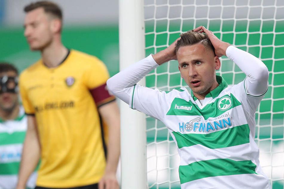 Die Gesichter sagen alles! SGD-Kapitän Florian Ballas und Ex-Dynamo Paul Seguin kann man die Enttäuschung ansehen.